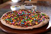 Pizza Chocolate preto com confeti